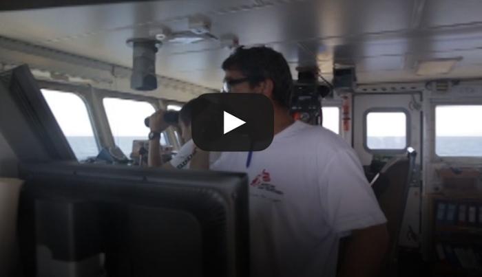 Exclusiva, equipo de salvamento en el Mediterráneo, entre las costas de Italia y Libia