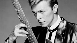 Morreu o cantor David Bowie
