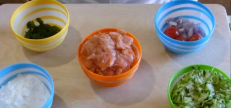 Ricetta di pesce facile e veloce: Tagliatelle con salmone, zucchine e panna