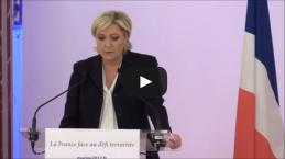 Francia, Emmanuel Macron 'ipoteca' l'Eliseo
