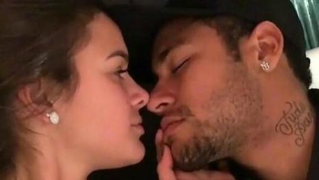 Voltaram? Neymar tem gesto lindo em foto íntima de Bruna Marquezine e enlouquece