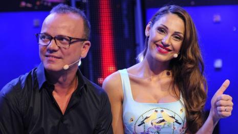 Video: Gigi D'Alessio e Anna Tatangelo: storia al capolinea? Un silenzio che pre