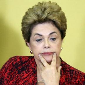 Dilma vive momentos difíceis fora do governo