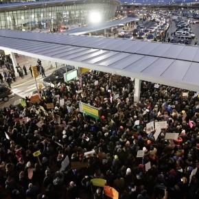 Judge halts deportation of refugees under President Trump's ban